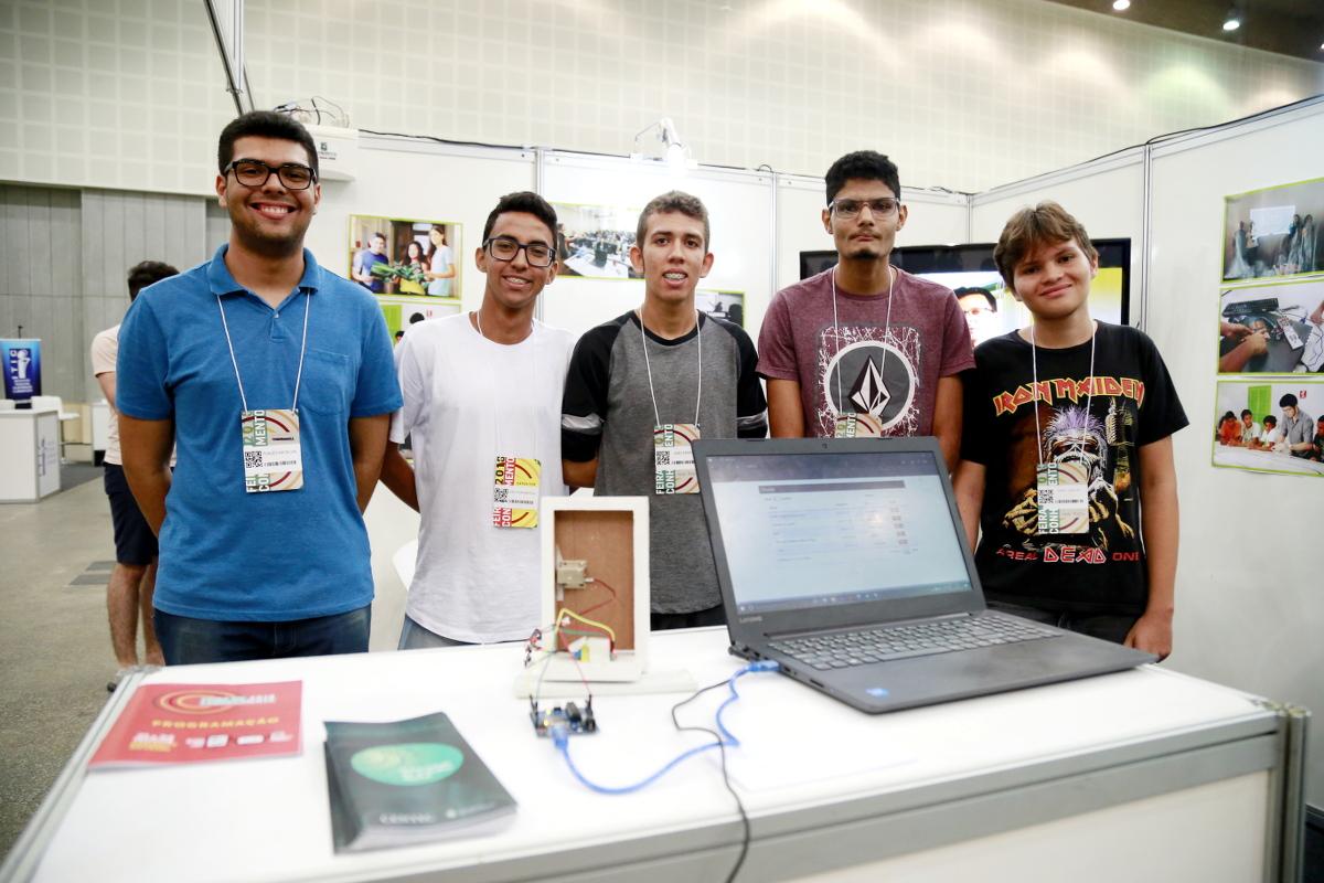 Universidade do Trabalho Digital participa da Feira do Conhecimento