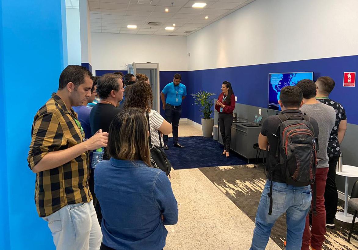 UTD: estudantes do curso Redes de Computadores visitam sede da Angola Cables em Fortaleza