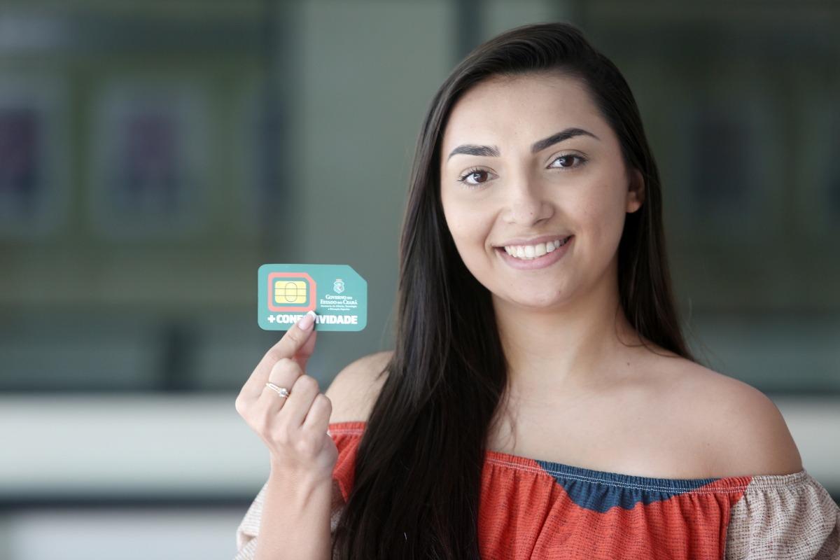 Alunos das universidades estaduais começam a receber novos chips com Internet